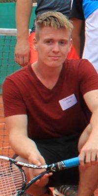 Trainer Lukas Aldini